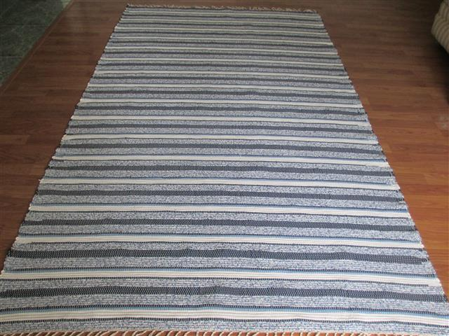 Navy, White 5 x 8 ft. Area Rug