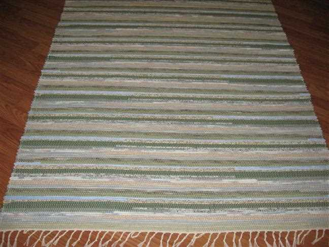 Green, Blue, Beige 4 x 6 ft. Area Rug