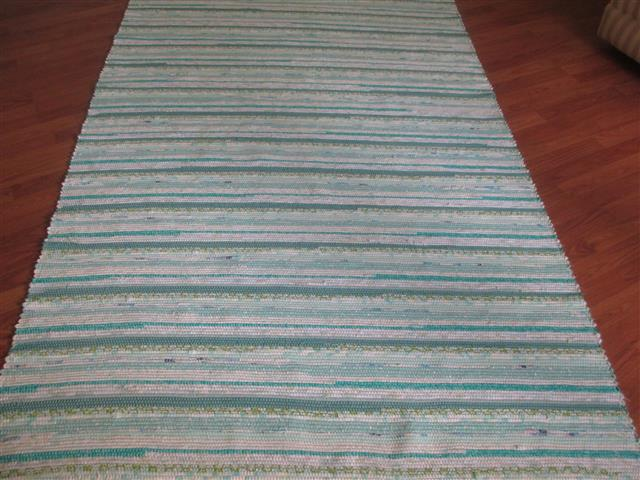 Aqua, Turquoise, White 5 x 8 ft. Area Rug